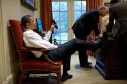 obama-feet-4